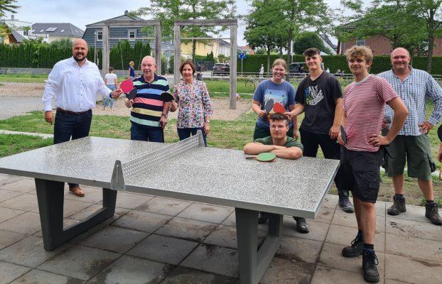 Einweihung Tischtennisplatten Spielplatz Landstadt Gatow