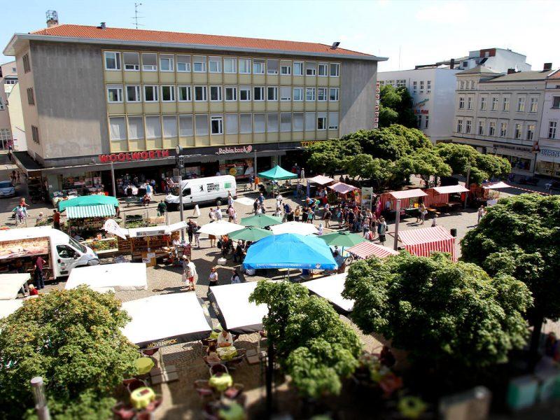 Luftaufnahme des Markts in der Altstadt Spandau