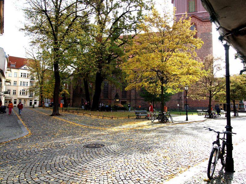 Strasse vor dem Reformationsplatz