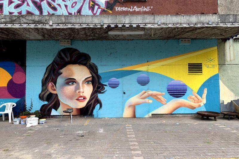 Graffiti-Kunst am Postgebäude