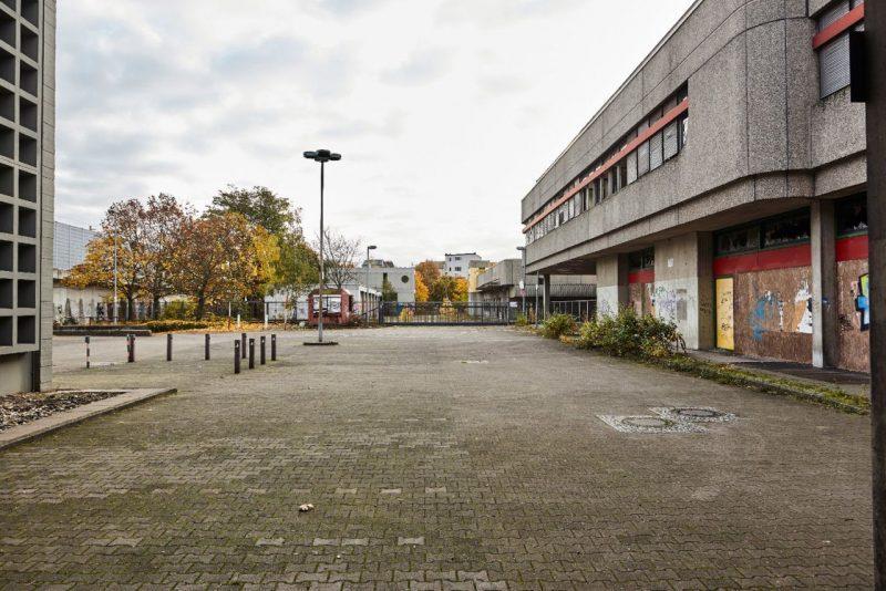 Verwaistes Gelände der ehemaligen Post